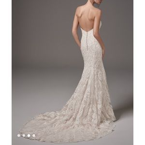 NEVER WORN. Hadley by Sottero and Midgley